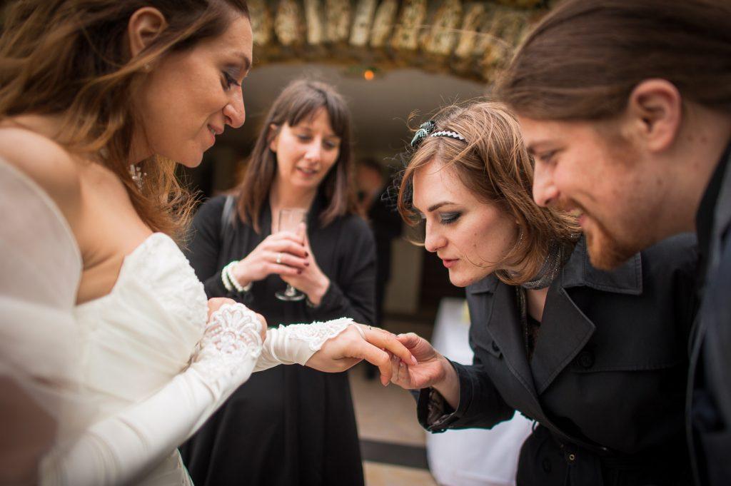 Mariée et son alliance