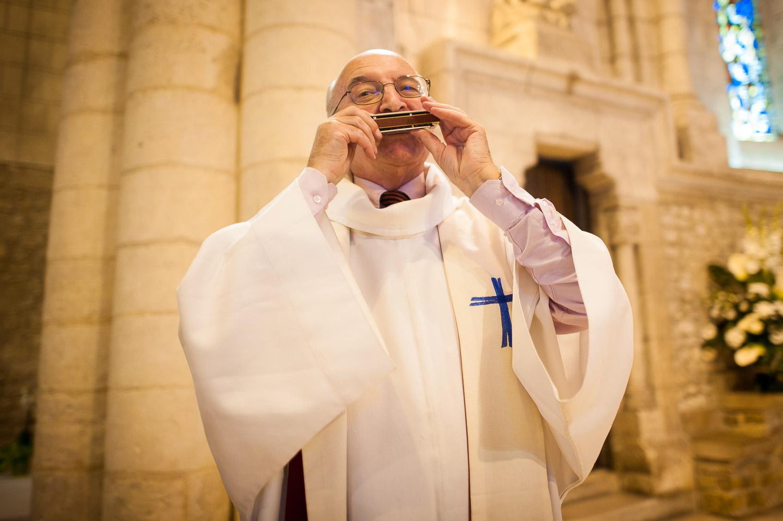 prêtre harmonica