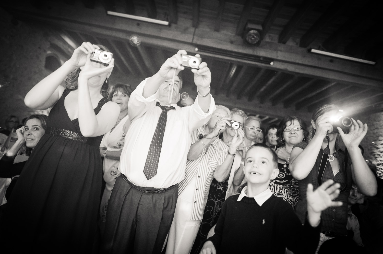 invités mariage appareils photo