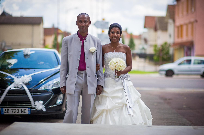 mariée devant mairie
