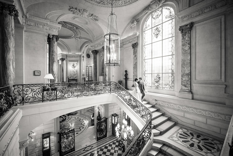 Mariés escalier Shangri-La
