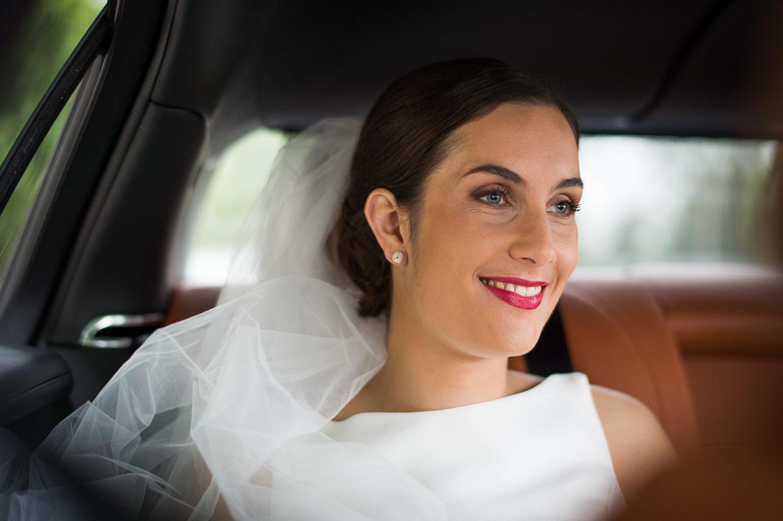 Mariée en direction église