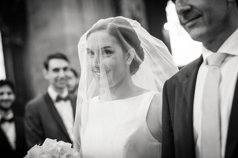 Mariée sous son voile blanc