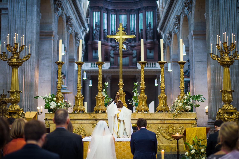 Intérieur doré église