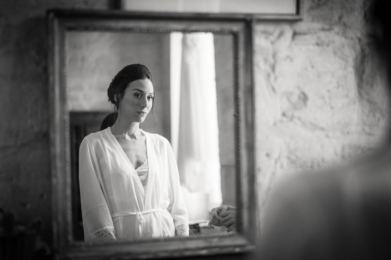 mariée dans miroir