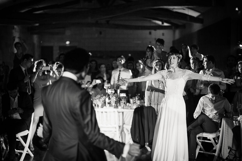 Mariée soirée en noir et blanc